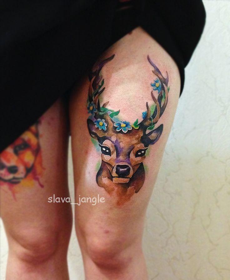 Татумастер @slava_jangle Акварельная татуировка на бедре. Олень