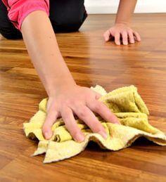 un bouchon de liège peut être utilisé pour gommer les taches sur un parquet ciré