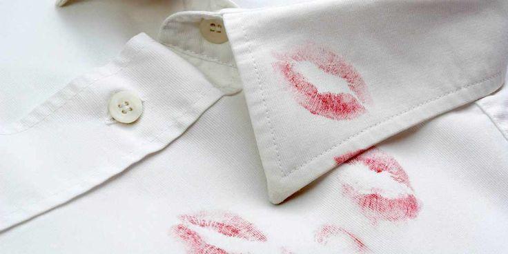 Lippenstift vlekken verwijderen uit je kleding is niet moeilijk.
