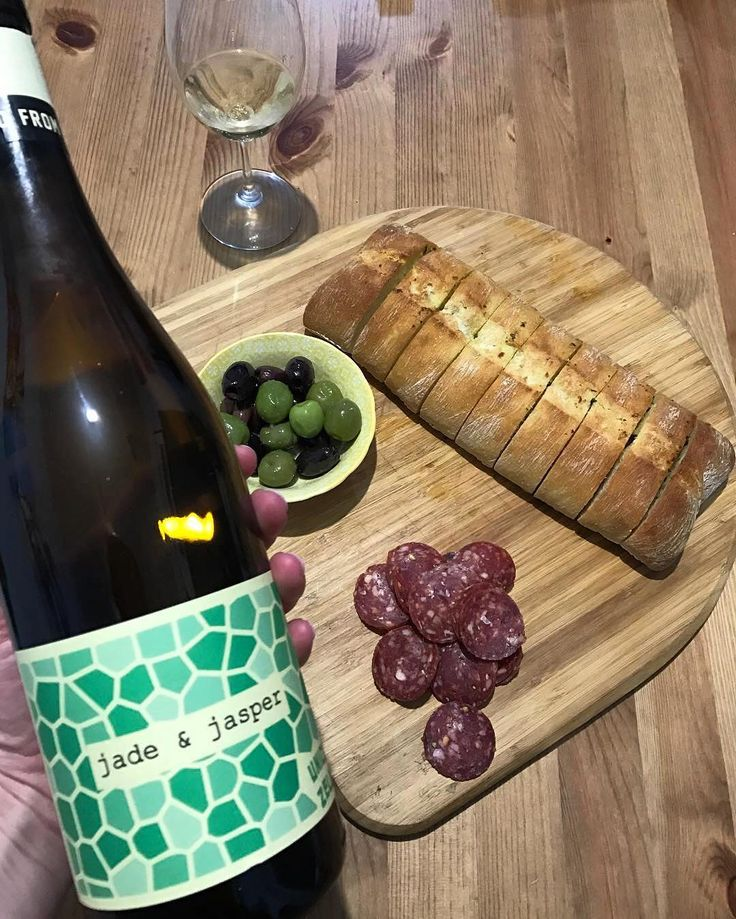 Unico Zelo Fiano -- a must-try for #TheTCWineclub! Thank you for sharing your thoughts about this bottle @travellingcorkscrew! Cheers!