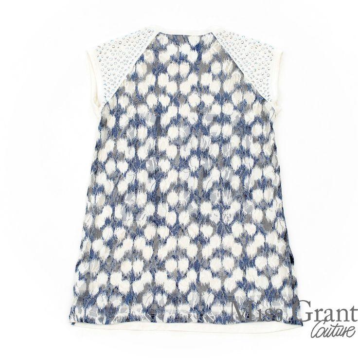 2-delt kjole med print og tyl flæser