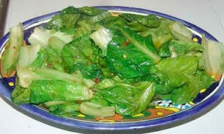 Kung Kung's simple Chinese recipe stir-fry lettuce.