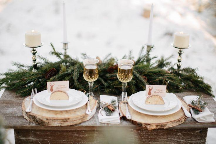 Ольга и Даниил отметили свою шестую годовщину уютной фотосессией на фоне заснеженной уральской природы. У пары получилось небольшое и душевное торжество с праздничным ужином, нарядной елкой, бенгальскими огнями и вкуснымтортом. Фотосъемка вышла очень светлой и теплой, несмотря на холод и мороз. Приглашаем к просмотру!