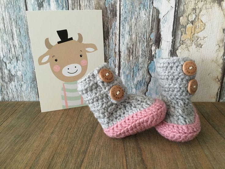 BabyslofjesBabyslofjes zijn een super leuke manier om ervoor te zorgen dat jouw kindje warme voetjes houdt. In ons assortiment vind je voor jongens en meisjes stijlvolle slofjes voor baby's in verschillende kleuren.