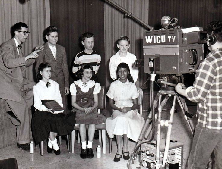 Spelling Bee Competition live in WICU's studio (February 1952)