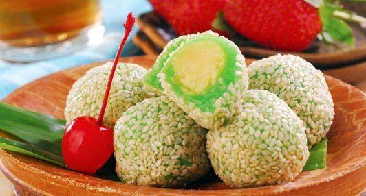 Kue Mochi Pandan Wijen