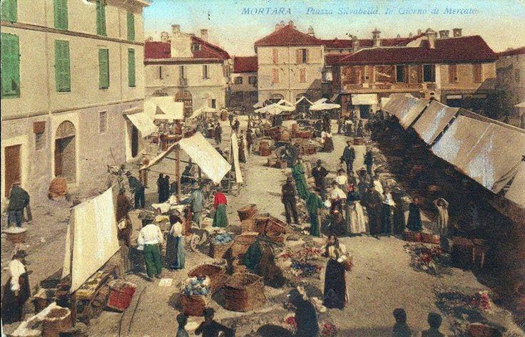Il mercato in piazza Silvabella a #Mortara, alla fine dell'800. #Lomellina #storia #turismo