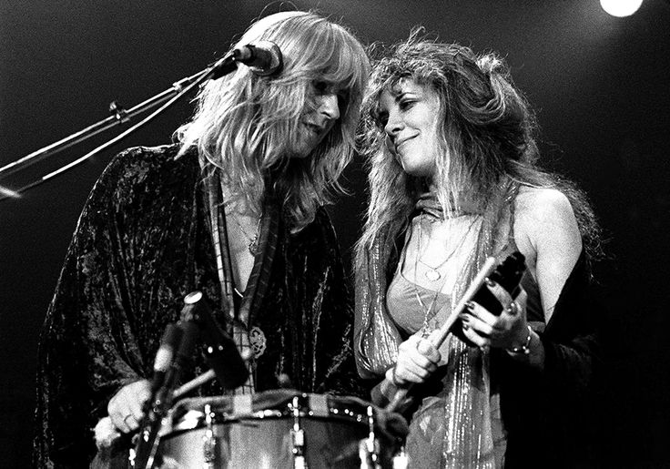 Christine McVie and Stevie    ~ ☆♥❤♥☆ ~     stage Sisters ~  onstage while performing with the male members of Fleetwood Mac, 1978