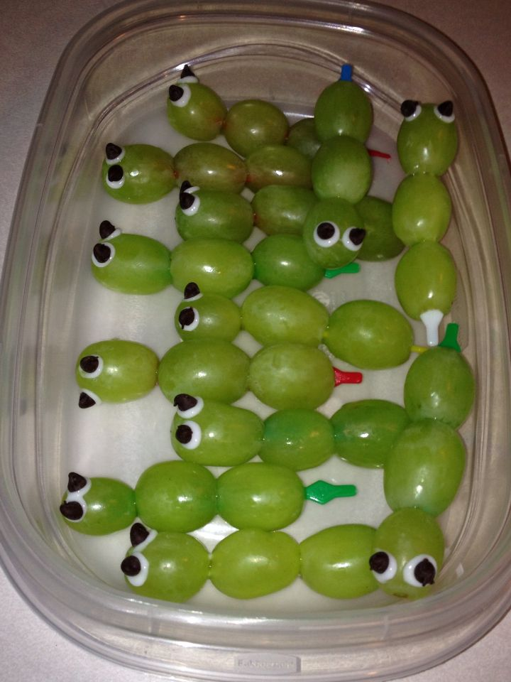 John the Baptist Bug Snack Green grapes on plastic skewer, icing eyes and mini chocolate chip pupils. Easy!!