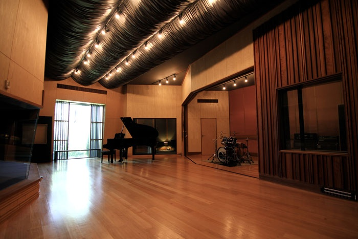 Karma has a large live room, 3 isolation areas and a vocal booth.