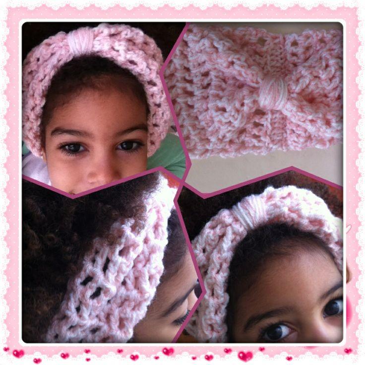 Gehaakte hoofdband/oorwarmer voor mijn dochter. Crocheted headband for my daughter.