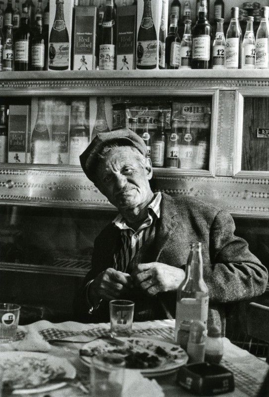 Tavern in Gavrio, Andros - March 1977 - Photo by Marina Karagatsi