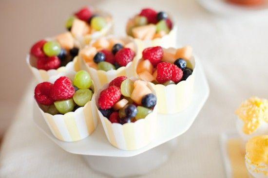 fruit in cupcake holdersFood Cups, Kids Parties, Fruit Salad, Healthy Snacks, Fruit Cups, Parties Ideas, Minis Cupcakes, Baking Cups, Parties Food