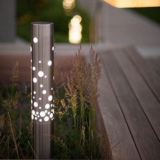 Light Column Bollards with Bubbles shields bringing LED lighting + ✨ to a Chicago rooftop . . .  #outdoorlighting #creeLED #sitefurnishings #siteelements #sitefurniture #landarch #rooftop #bollards #upontheroof