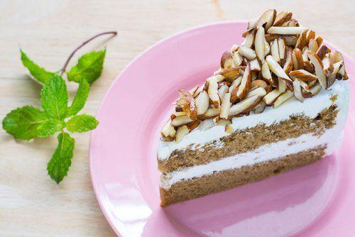 Torta de Café, Nata y Almendras