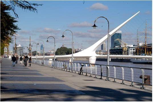 Puerto Madero el puente de la mujer en buenos aires