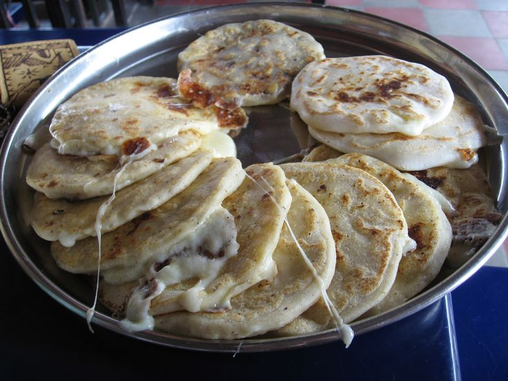 Traditional Salvadoréan food--- Pupusas. (mouth watering)