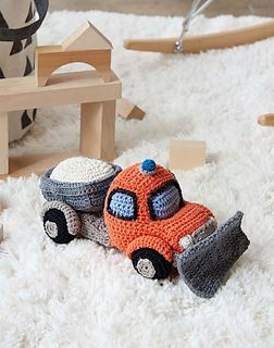 Soft and huggable, this charming snow plow is full of fun and realistic details. Featuring a siren light, curving plow, and a tipping dumper filled with road salt, this truck is sure to make quick work of clearing away deep drifts of yarn skeins, or even the occasional yarn-a-lanche.