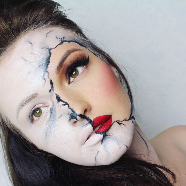 """Turn your face into 'marble' with this clever look from Irina Arvokas. Watch the tutorial <a href=""""https://flipagram.com/f/wfceggRAJw"""">here</a>."""
