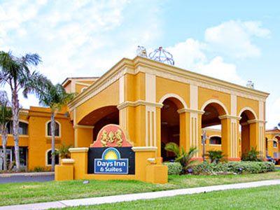 El Days Inn Orlando-International Drive ofrece un patio precioso y una estupenda ubicación en International Drive, en Orlando. El Hotel Days Inn Orlando-International Drive es un hotel de 3 Estrellas de Orlando, Estados Unidos. Reserva tus próximas vacaciones con las mejores Promociones en Days Inn Orlando-International Drive y descubre Orlando Estados Unidos.