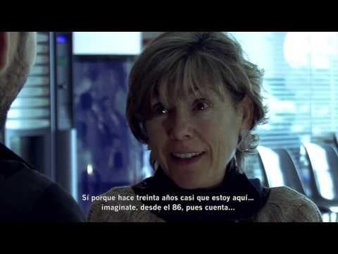 Mari Pau Huguet, presentadora de TV3, nos cuenta su trabajo ( en pretérito).Aula internacional 2 Nueva edición - Unidad 2: Una vida de película - (con subtítulos) - YouTube