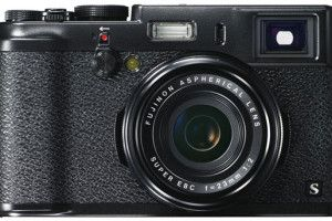 A black version of the camera Fujifilm X100S http://yournewsticker.com/2014/01/a-black-version-of-the-camera-fujifilm-x100s.html