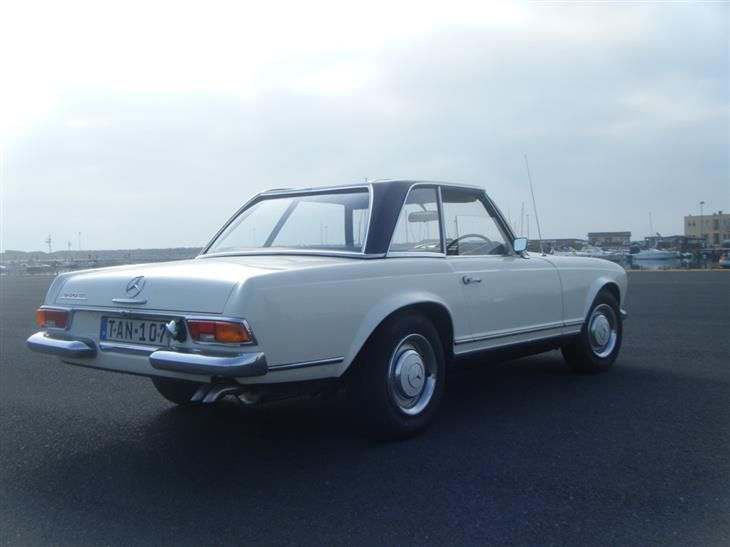 Used 1967 Mercedes-Benz 250 SL Pagoda for sale in Surrey from Coys.
