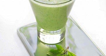 """Nydelig grønn smoothie fra boken """"En ny start""""."""