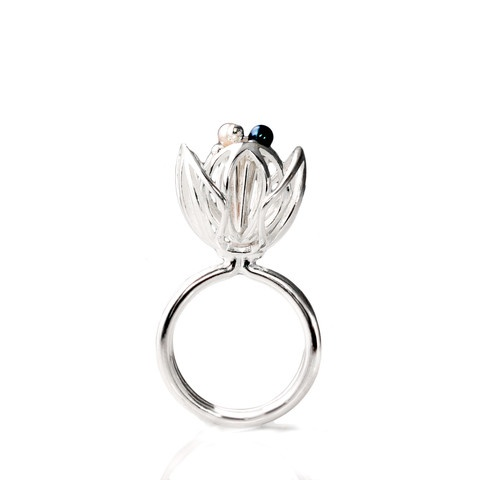 """""""Blossom"""" ring. Sterling silver. fresh water pearls."""