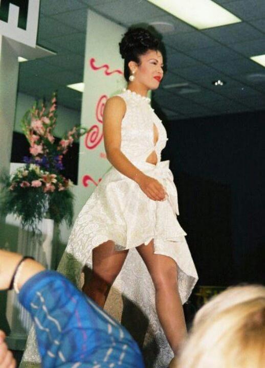 Selena @ her fashion show!♡