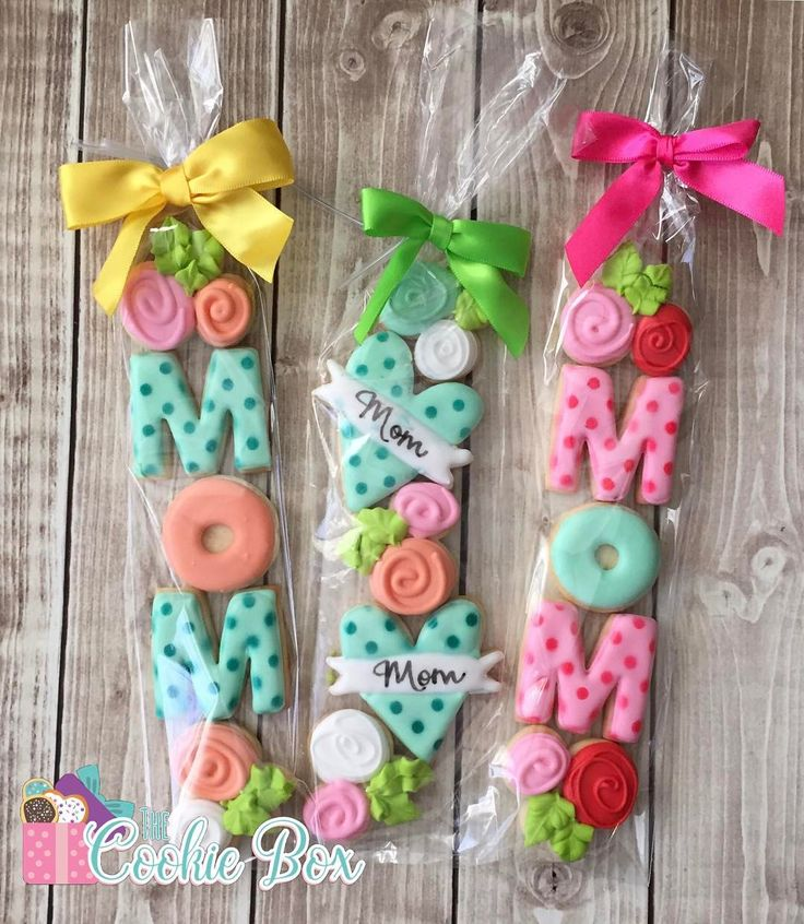 """266 Likes, 10 Comments - Jennifer Webb (@thecookiebox14) on Instagram: """"Getting ready for Mother's Day! I didn't make cutters for the occasion. So I decided to use some of…"""""""