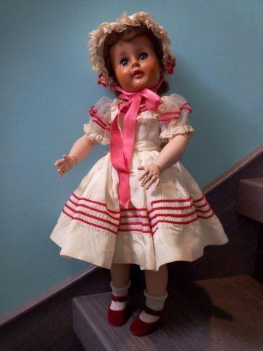 Poupee-Americaine-vintage-Madeline-Madame-Alexander-dans-sa-tenue-originale