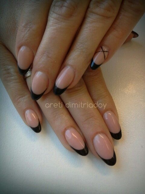 #acrylicnails #nails #essentialcare #portorafti #french #chic