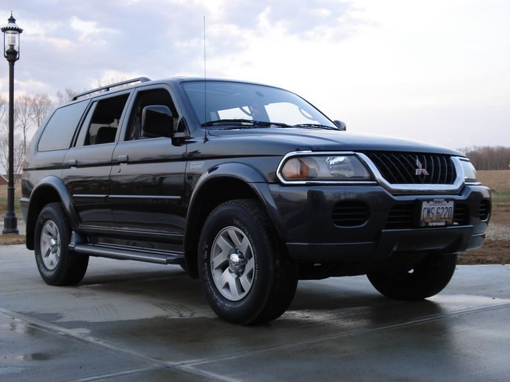 mitsubishi montero sport xls 2002 only difference between this one and mine is that i do not have running boards this was such a nice raid i wil