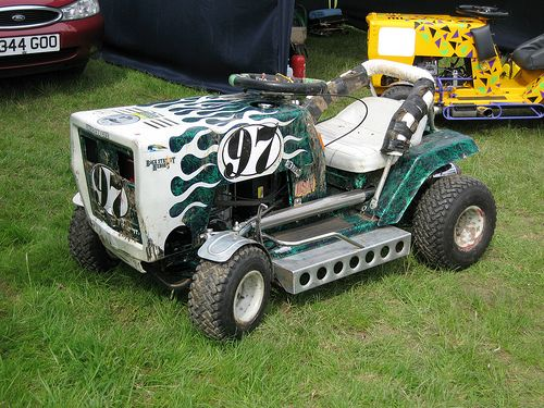lawn tractor dual wheels | lawn mower racing!