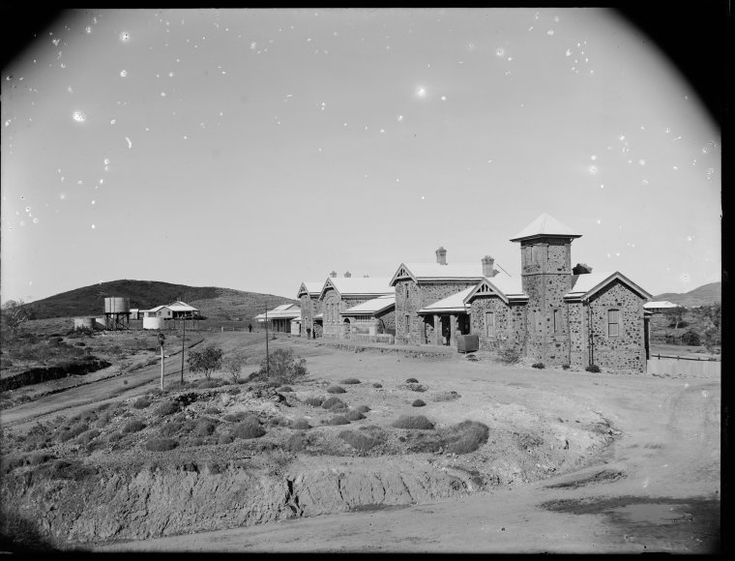 013962PD: Government buildings, Marble Bar, 1911 http://encore.slwa.wa.gov.au/iii/encore/record/C__Rb2948315?lang=eng