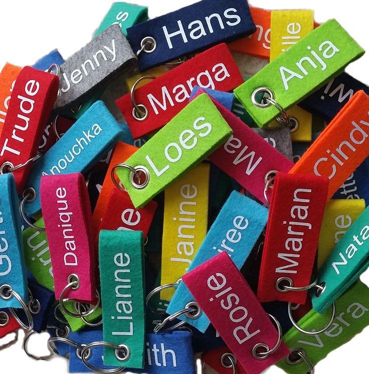 Sleutelhanger met naam voor aan de sleutelbos, fiiets of aan je schooltas, ook leuk als uitdeelcadeautje of traktatie