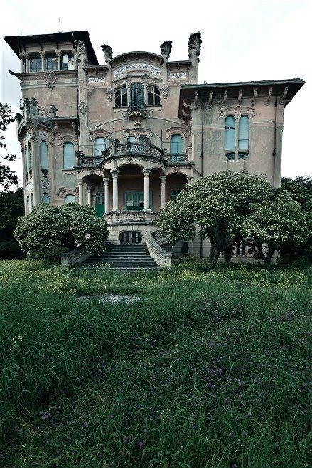 Villa Zanelli, Ligurien Italy, built in 1907 by Nicolas Zanelli