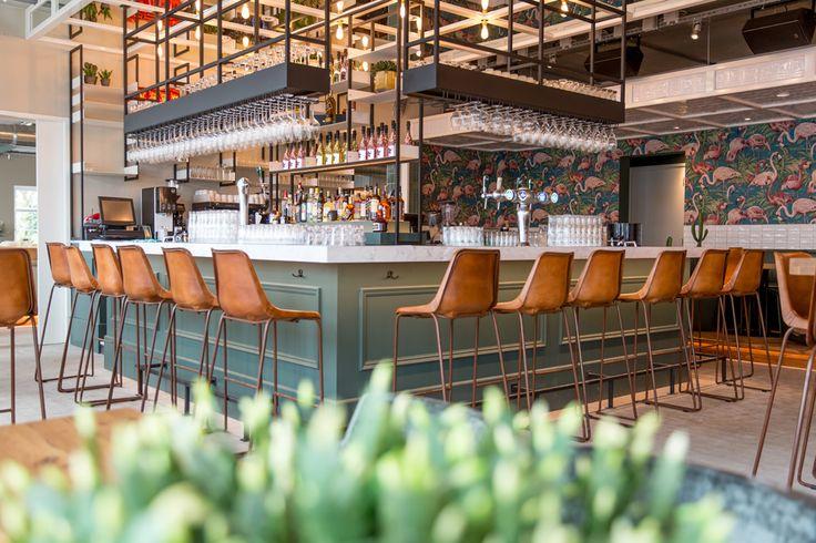 Restaurant en bar aan het water in Poort van Amsterdam in Uitdam