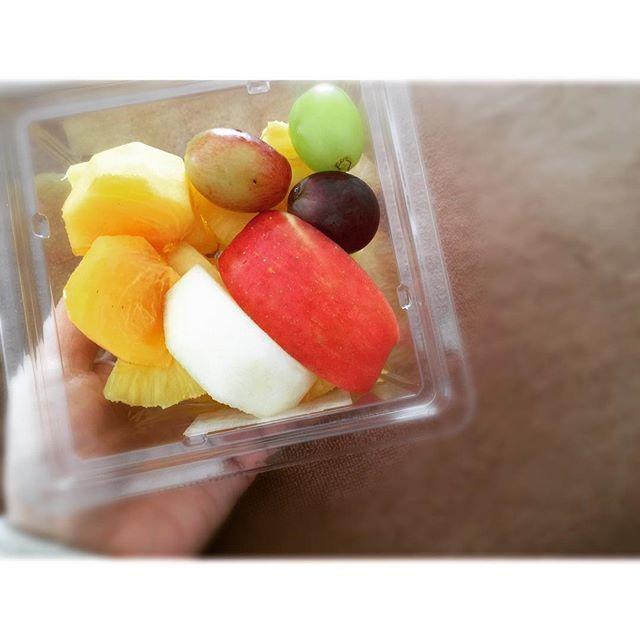 2016/11/23 17:15:10 kamefukuchan 🍎+🍍🍇🍐🍊 『酵素三昧』 … ほぼ毎日食べている果物。 タバコやお酒は摂らないのに、 一日のうちに一回でも食べないと スッキリしないくらいの果物中毒なんです◎ … 果物を摂ると、 快腸になり、 肌もツヤツヤ、 元気が出てきます。 そして体臭も感じなくなるんですよ。 … 適量を守って、 内面からキラキラ磨いていきましょう😉✨ … 私は本当に良いものだけを紹介する、 #美容 #美容家 #男性美容家 #スキンケアアドバイザー です🤓👌 … @kamefukuchan/リラクゼーションサロン かめ福☺︎ 整体リラクゼーション&リフレクソロジー&手相セラピー 青森県弘前市大字駅前3丁目3-13 101 営業時間/AM10:00〜PM9:00(受付終了PM8:00) TEL 0172-55-0838 ☎︎お気軽に問い合わせください。 心よりお待ちしております☺︎✨ … #果物 #フルーツ #fruits #酵素 #アンチエイジング #カラフル #colorful #弘前 #青森 #hirosaki…
