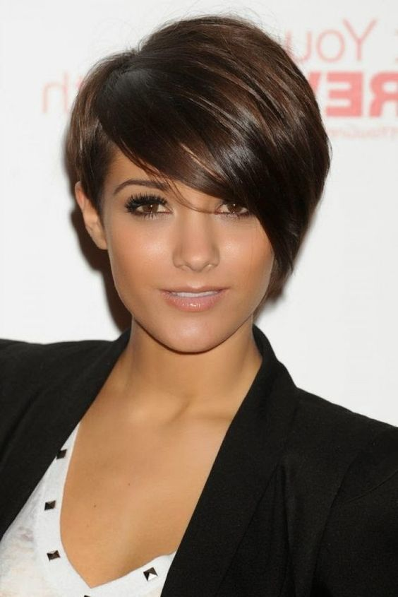Super Nice Dark Short Hairstyles For This Fall. Which friends of yours has to have such hairstyle?