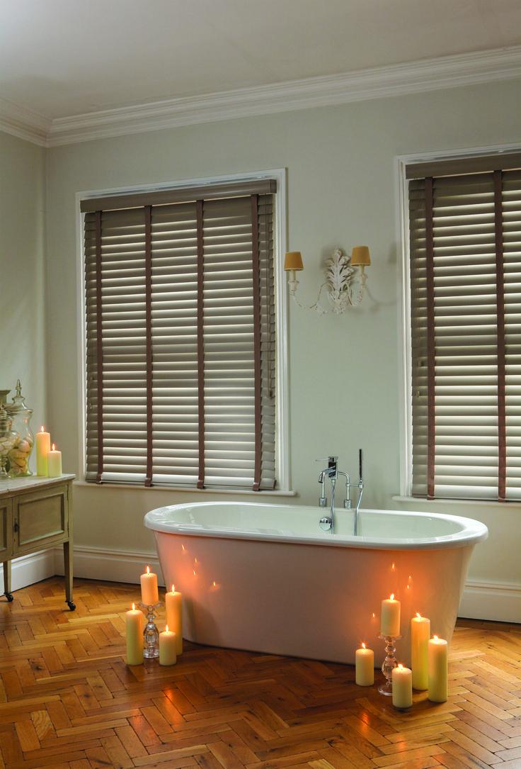 Bathroom featuring wooden venetian blinds from Clover & Thorne #blinds #venetianblinds #woodenblinds #bathroom #interiors