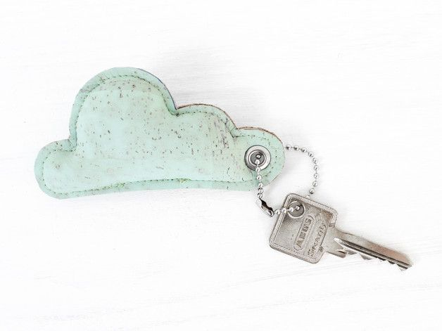 Schlüsselanhänger mit Wolke in Mint, Anhänger aus Kork, Geschenk / key chain with cloud in mint, cork chain, front door key chain, present made by Nullsieben-Design via DaWanda.com