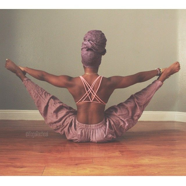 I'm beyond excited to start the 7day #exPOSEyourself challenge with my girls @jen_es_care & @omshalom. it's not about the poses, it's not about our flexibility, It's ALL about digging deeper within ourselves, finding & then sharing those insecurities to weaken their power over us. There's absolutely no reason to wake up and hate how we feel or what we see in the mirror. The time to love ourselves is now ❤️