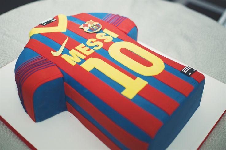 Amy Beck Cake Design - Chicago, IL. | FC Barcelona jersey. www.amybeckcakedesign.com | Photo by Kris Kasparak Photography www.iklikphoto.com