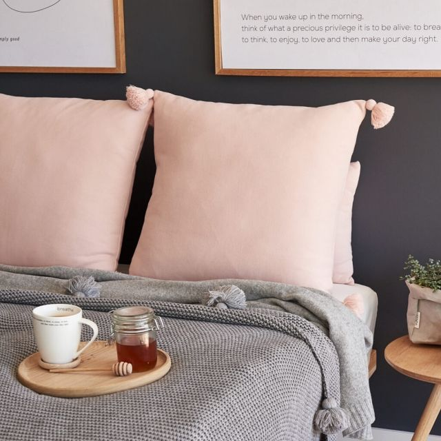 moyha_cushion_touch_of_powder_pink (2)