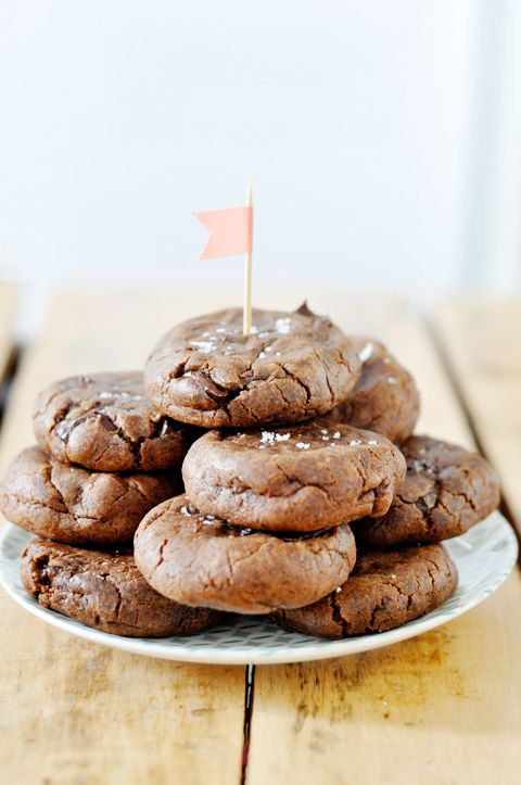 Nutella & Salted Caramel Stuffed Double Chocolate Cookies | lark & linen