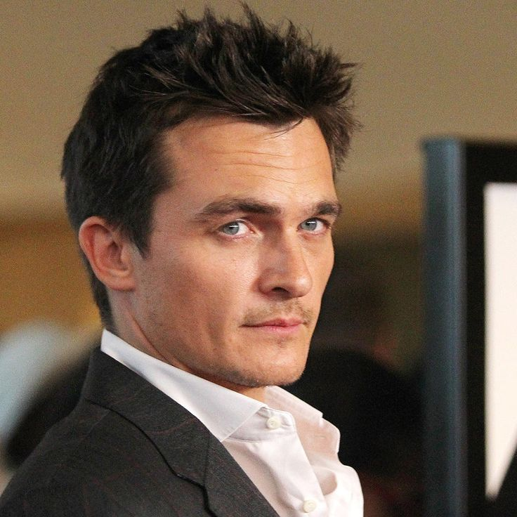 This Homeland star has made the hearts of many go pitter-patter and it's easy to see why. Quinn is not only a great character on the show, but actor Rupert Friend is quite the handsome paramilitary officer. His previous films include The Boy In The Striped Pajamas and The Kid, but fans seem to think his role on Homeland suits him best.