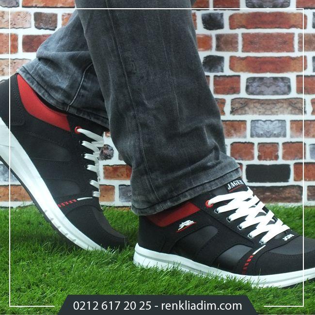Şıklıkta uyumu yakalayın. Detaylı incelemek için tıklayın..http://bit.ly/20YHg0r #erkeksporayakkabı #ayakkabı #sporayakkabı #rahat #stil #şık #uyum #siyah #kırmızı