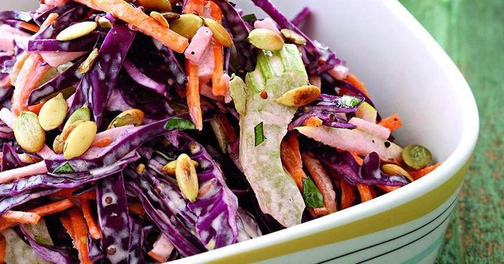 Подруга поделилась салатом для красоты и стройности! Теперь понимаю, почему у неё такой плоский животик